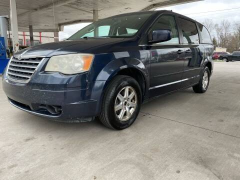 2008 Chrysler Town and Country for sale at JE Auto Sales LLC in Indianapolis IN