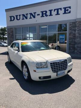 2005 Chrysler 300 for sale at Dunn-Rite Auto Group in Kilmarnock VA