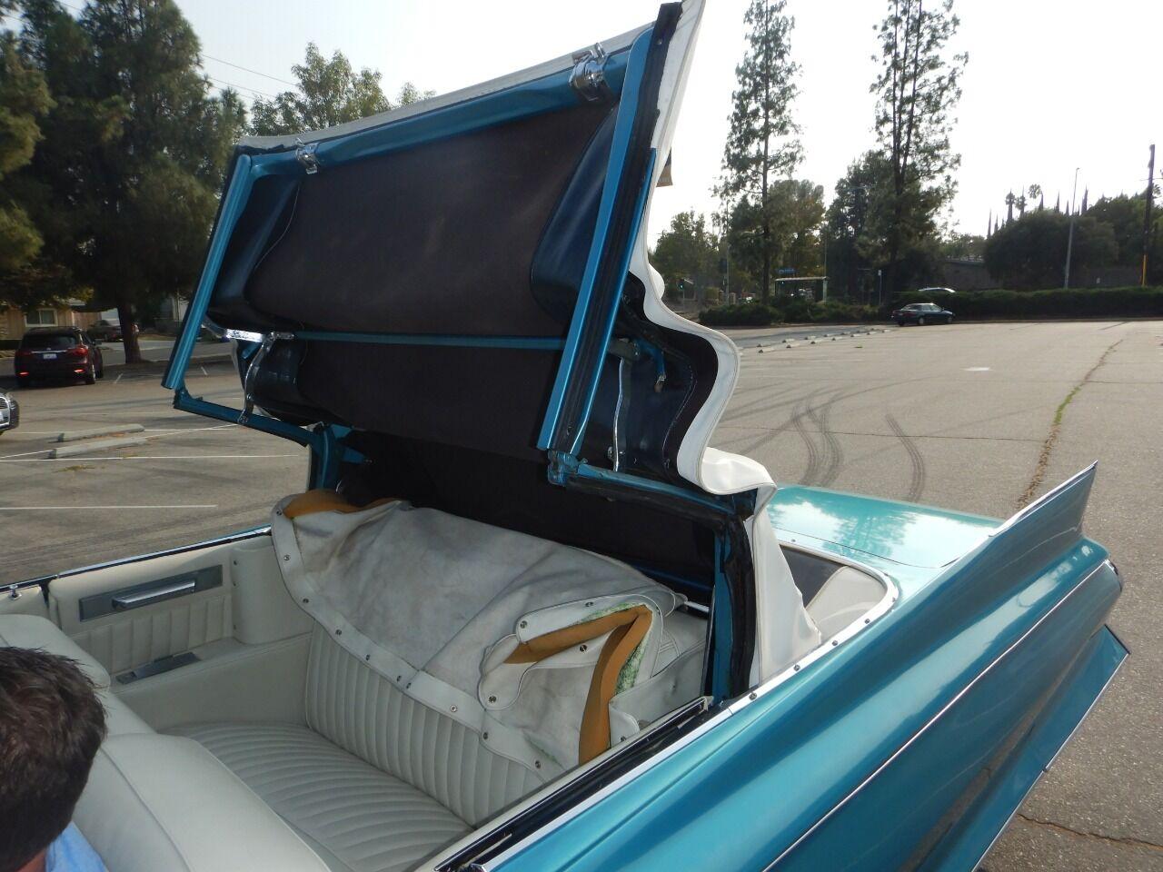 1961 Cadillac Eldorado Biarritz 27