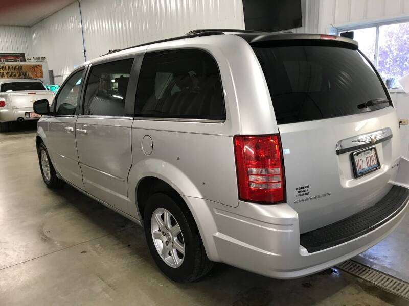 2010 Chrysler Town and Country Touring 4dr Mini-Van - Gifford IL