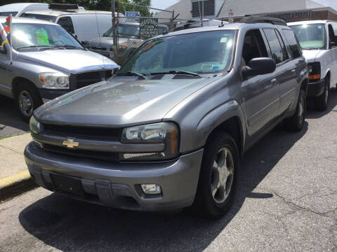 2005 Chevrolet TrailBlazer EXT for sale at Drive Deleon in Yonkers NY