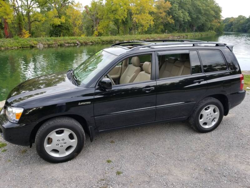 2004 Toyota Highlander for sale at Auto Link Inc in Spencerport NY