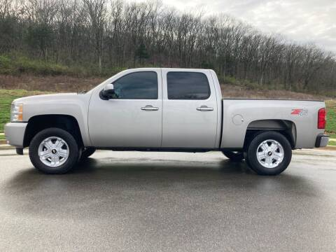 2009 Chevrolet Silverado 1500 for sale at Tennessee Valley Wholesale Autos LLC in Huntsville AL