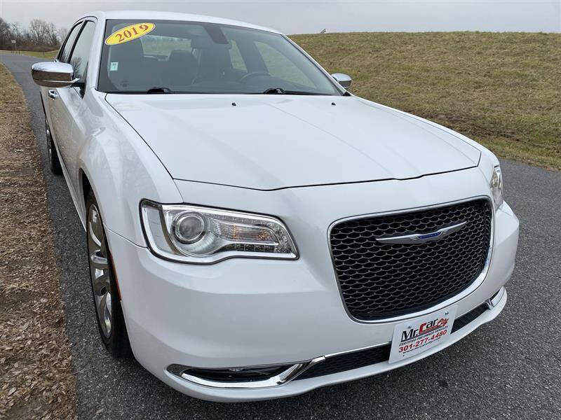 2019 Chrysler 300 for sale at Mr. Car LLC in Brentwood MD