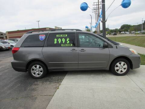 2005 Toyota Sienna for sale at Fox River Motors in Green Bay WI