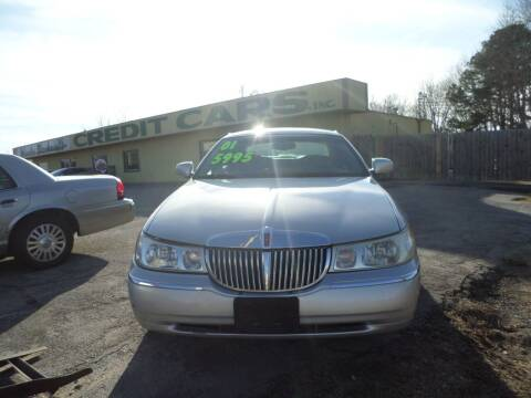 2001 Lincoln Town Car for sale at Credit Cars of NWA in Bentonville AR