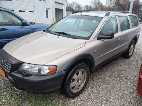 2001 Volvo V70 for sale at AUTO PROS SALES AND SERVICE in Belleville IL