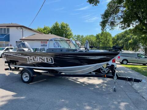 2008 Lund 1800 Sport Angler Outfitter for sale at Twin City Motors in Grand Forks ND