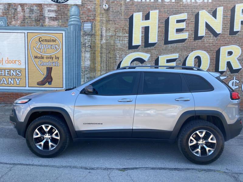 2015 Jeep Cherokee for sale at Main St Motors Inc. in Sheridan IN