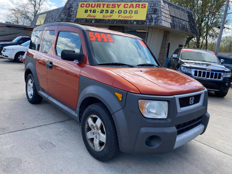 2005 Honda Element for sale at Courtesy Cars in Independence MO