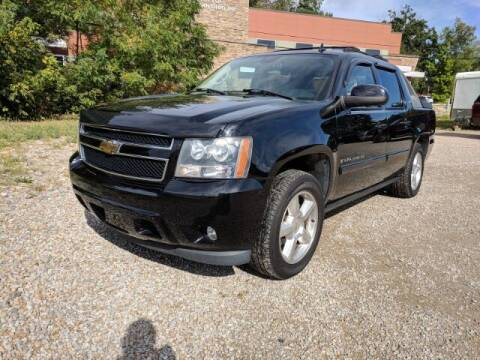 2007 Chevrolet Avalanche for sale at DILLON LAKE MOTORS LLC in Zanesville OH