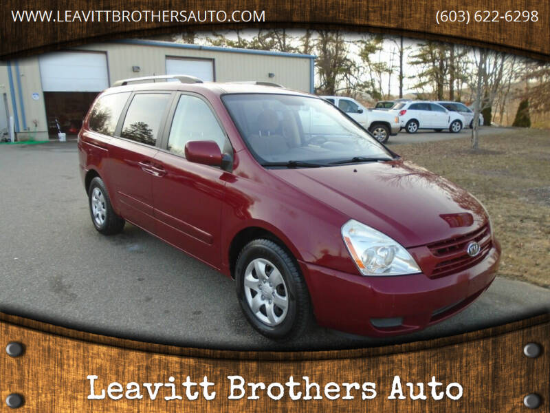 2009 Kia Sedona for sale at Leavitt Brothers Auto in Hooksett NH