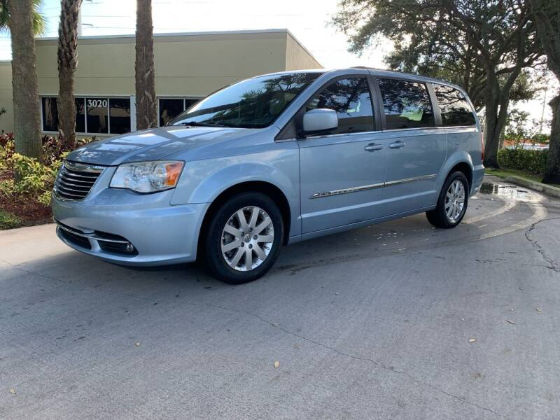 2013 Chrysler Town and Country for sale at Ultimate Dream Cars in Royal Palm Beach FL