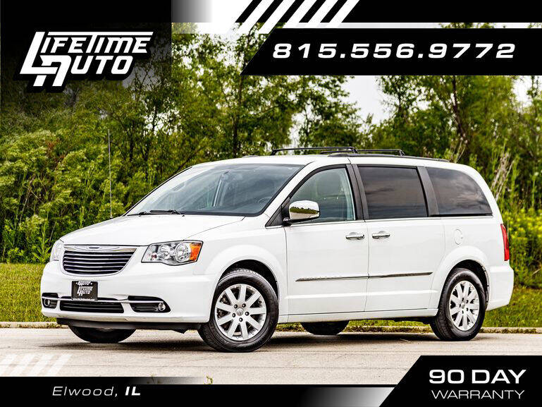 2014 Chrysler Town and Country for sale at Lifetime Auto in Elwood IL