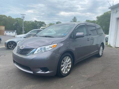 2014 Toyota Sienna for sale at SOUTH SHORE AUTO GALLERY, INC. in Abington MA