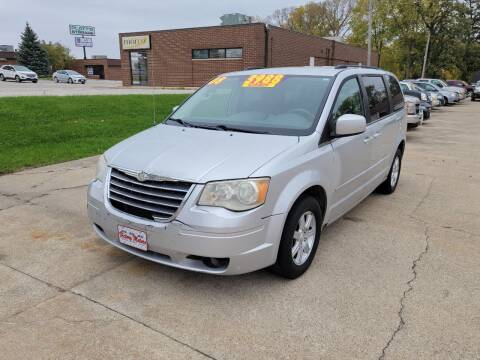 2008 Chrysler Town and Country for sale at Victory Motors in Waterloo IA