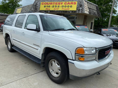 2003 GMC Yukon XL for sale at Courtesy Cars in Independence MO