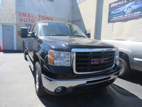 2008 GMC Sierra 2500HD for sale at Small Town Auto Sales in Hazleton PA