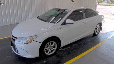 2016 Toyota Camry Hybrid for sale at HERMANOS SANCHEZ AUTO SALES LLC in Dallas TX