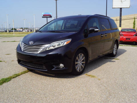 2015 Toyota Sienna for sale at Dave Johnson Sales in Wichita KS