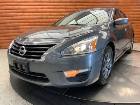 2015 Nissan Altima for sale at Dixie Motors in Fairfield OH