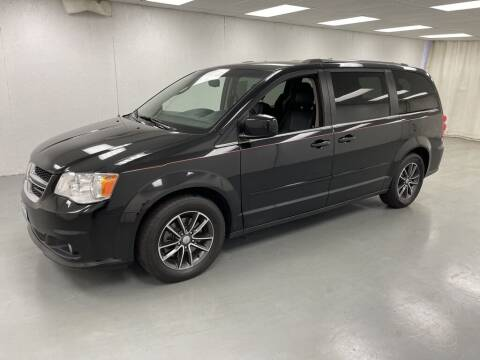 2017 Dodge Grand Caravan for sale at Kerns Ford Lincoln in Celina OH
