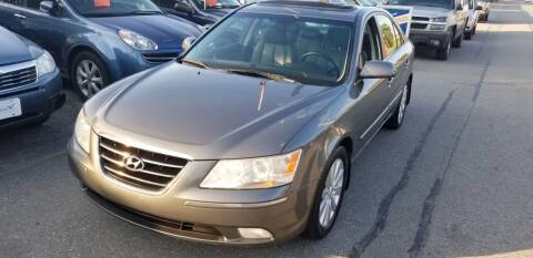2009 Hyundai Sonata for sale at Howe's Auto Sales in Lowell MA