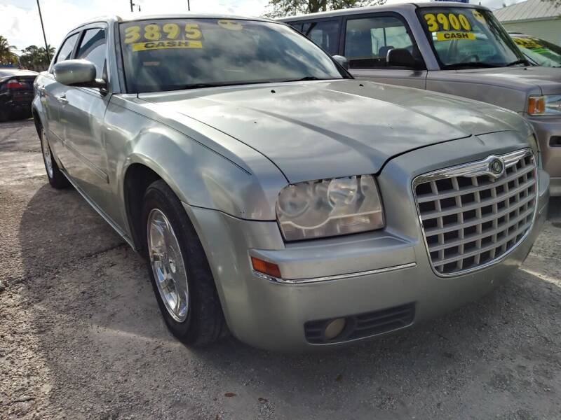 2005 Chrysler 300 for sale at AFFORDABLE AUTO SALES OF STUART in Stuart FL