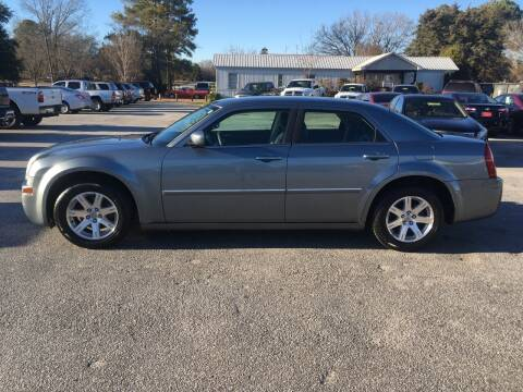 2007 Chrysler 300 for sale at TAVERN MOTORS in Laurens SC
