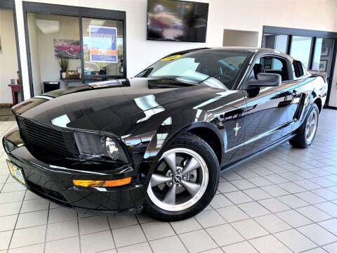 2006 Ford Mustang for sale at SAINT CHARLES MOTORCARS in Saint Charles IL