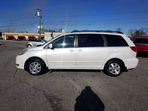 2004 Toyota Sienna for sale at 4M Auto Sales | 828-327-6688 | 4Mautos.com in Hickory NC