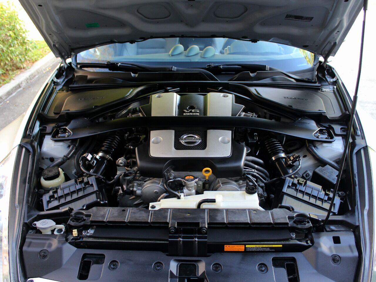 2010 Nissan 370Z 21
