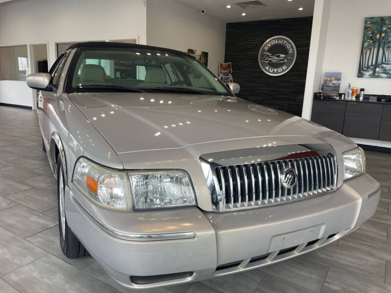 2009 Mercury Grand Marquis for sale at Evolution Autos in Whiteland IN