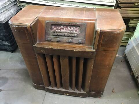 ANTIQUE RADIO ANTIQUE RADIO for sale at ACE HARDWARE OF ELLSWORTH dba ACE EQUIPMENT in Canfield OH