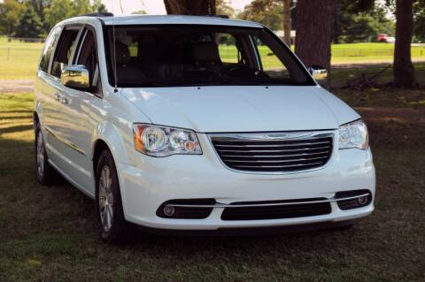 2016 Chrysler Town and Country for sale at Auto House Superstore in Terre Haute IN