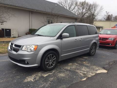 2017 Dodge Grand Caravan for sale at McCully's Automotive - Trucks & SUV's in Benton KY
