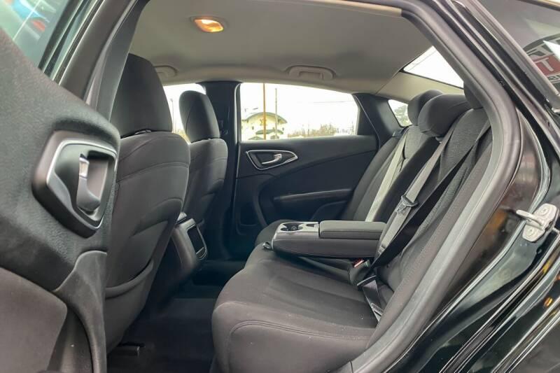 2015 Chrysler 200 Limited 4dr Sedan - East Greenbush NY