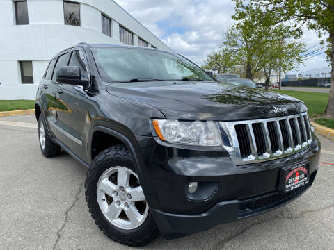 2013 Jeep Grand Cherokee for sale at JerseyMotorsInc.com in Teterboro NJ