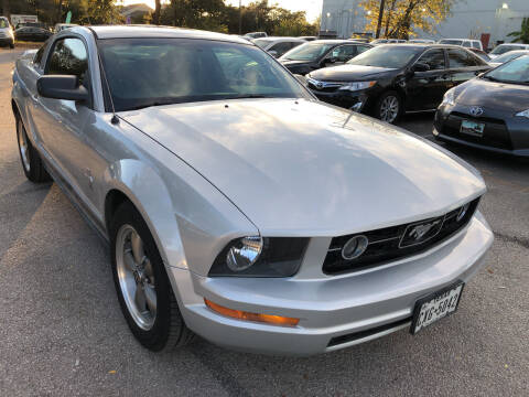 2006 Ford Mustang for sale at PRESTIGE AUTOPLEX LLC in Austin TX