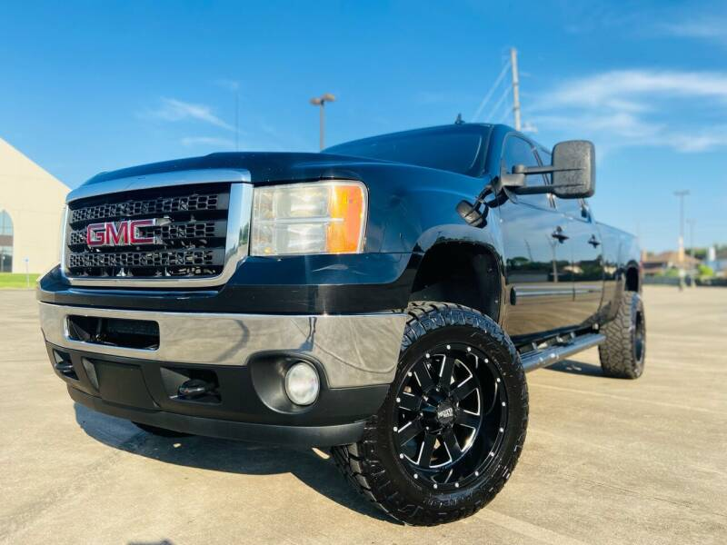 2012 GMC Sierra 2500HD for sale at AUTO DIRECT Bellaire in Houston TX