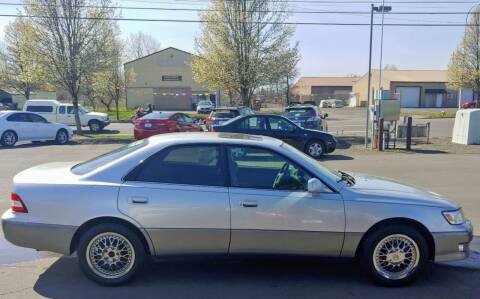 2001 Lexus ES 300 for sale at M AND S CAR SALES LLC in Independence OR