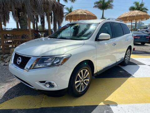 2014 Nissan Pathfinder for sale at D&S Auto Sales, Inc in Melbourne FL