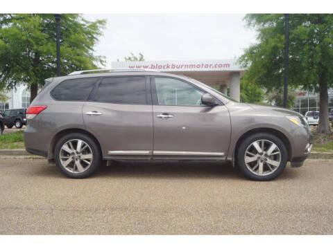 2014 Nissan Pathfinder for sale at BLACKBURN MOTOR CO in Vicksburg MS
