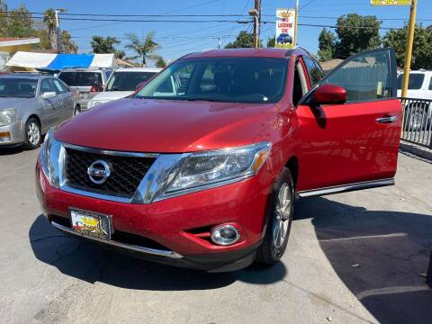 2015 Nissan Pathfinder for sale at Crown Auto Inc in South Gate CA