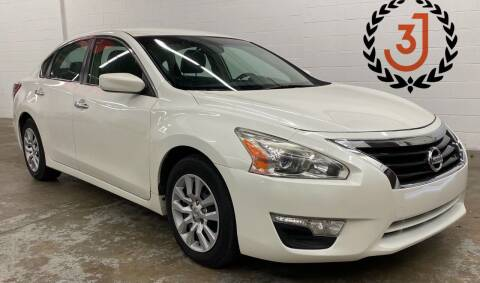 2013 Nissan Altima for sale at 3 J Auto Sales Inc in Arlington Heights IL