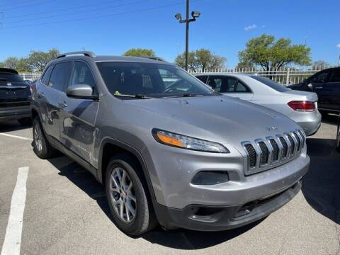2016 Jeep Cherokee for sale at SOUTHFIELD QUALITY CARS in Detroit MI