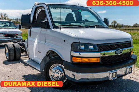 2015 Chevrolet Express Cutaway for sale at Fruendly Auto Source in Moscow Mills MO