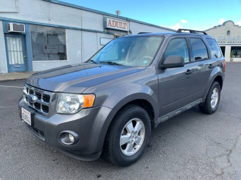 2009 Ford Escape for sale at ELYA MOTORS in Newark CA