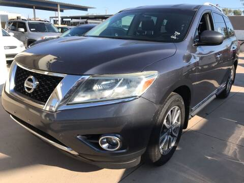 2014 Nissan Pathfinder for sale at Town and Country Motors in Mesa AZ