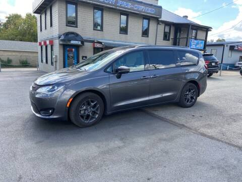 2019 Chrysler Pacifica for sale at Sisson Pre-Owned in Uniontown PA